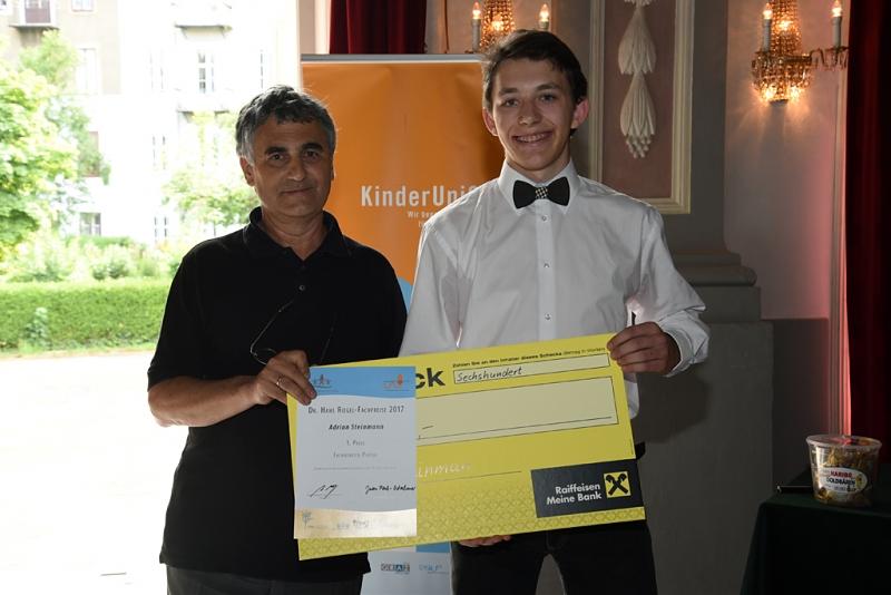 Heimo Hergan mit dem 1. Preis für Physik