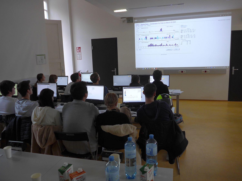 Arbeit mit CERN Daten am PC